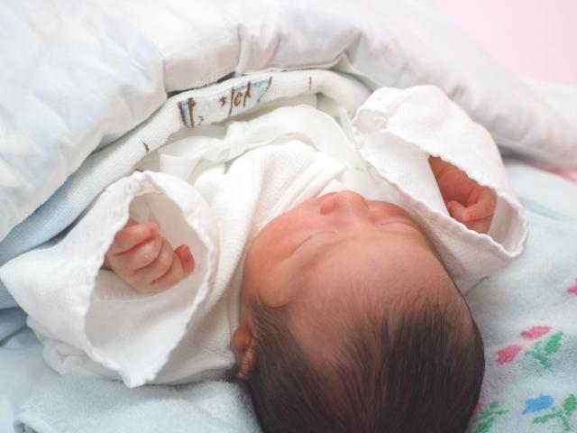悪い 新生児 寝相